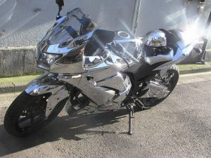 クロムメッキ仕様のピカピカバイク