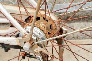 自転車のメッキはなぜ錆びやすい?サビ取りの基本や具体的な手順